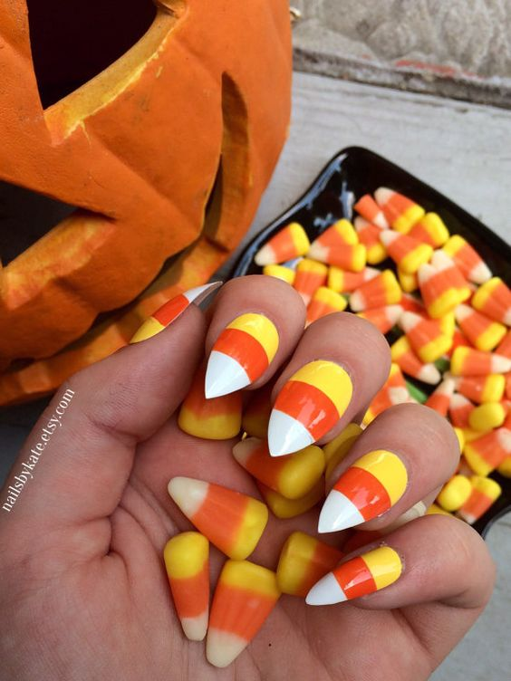 13 Nail Art Designs to Show Your Halloween Spirit