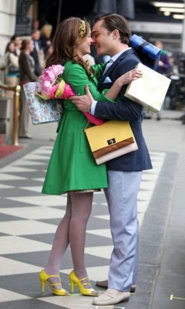 http://www.crushable.com/2009/03/18/entertainment/chuck-and-blair-kiss-on-gossip-girl-set/