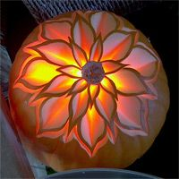http://www.templeofthai.com/fruit_carving/pumpkin-carving.php