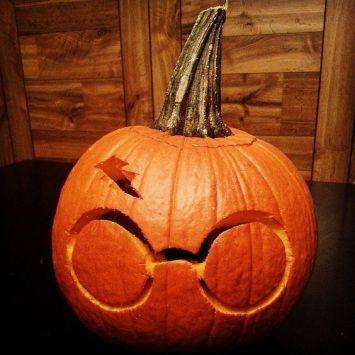 http://www.popsugar.com/tech/Harry-Potter-Pumpkin-Ideas-38757451?crlt.pid=camp.Gy56zyuphIIL#photo-38757451