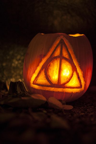 http://lotrproject.com/blog/2013/10/27/lord-of-the-rings-pumpkins-and-two-harry-potter/