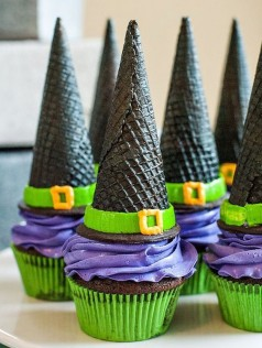 witch-hat-cupcakes